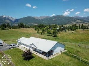 2221 Pleasant View Drive, Victor, MT 59875