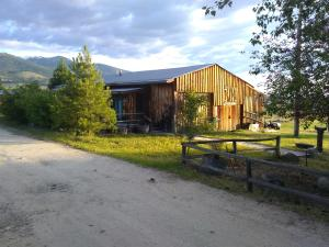 2310 Bitterroot View Drive, Victor, MT 59875