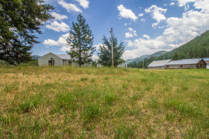 13801 Hampton Drive, Clinton, MT 59825
