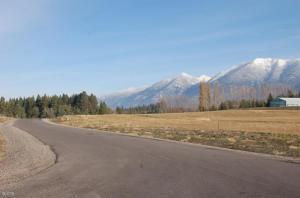 310 Spruce Meadows Loop, Kalispell, MT 59901