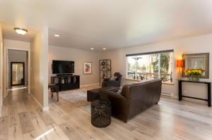 123 Grandview Terrace, Lakeside, MT 59922