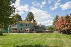 286 Christofferson Lane, Corvallis, MT 59828