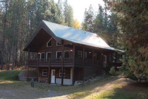 33 Wuerl Drive West, Trout Creek, MT 59874