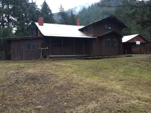 6600 Slide Rock Drive, Clinton, MT 59825