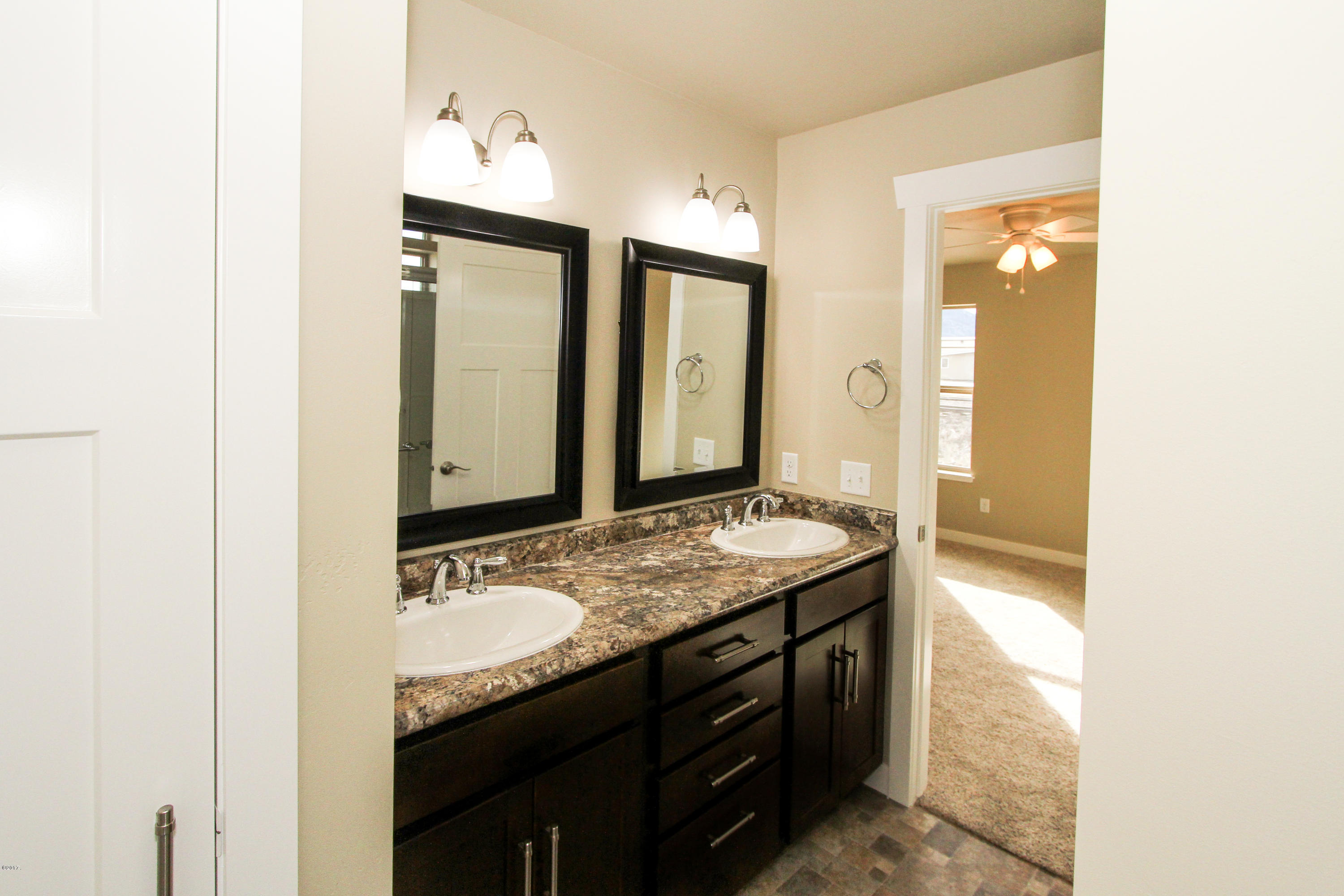 Property Image #2 for MLS #21813670