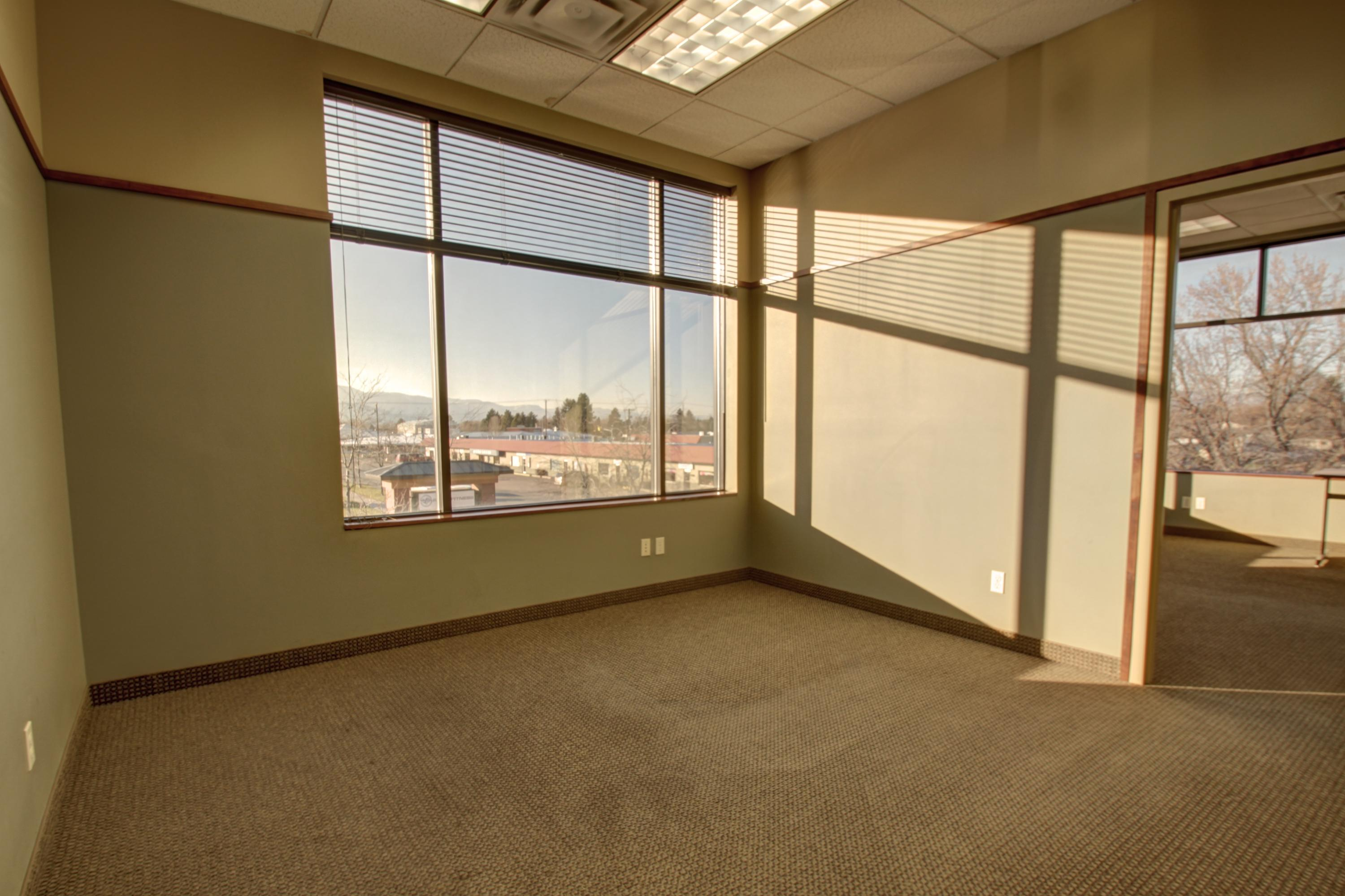 Property Image #3 for MLS #21813705