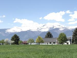 2748 Topahill Place, Stevensville, MT 59870