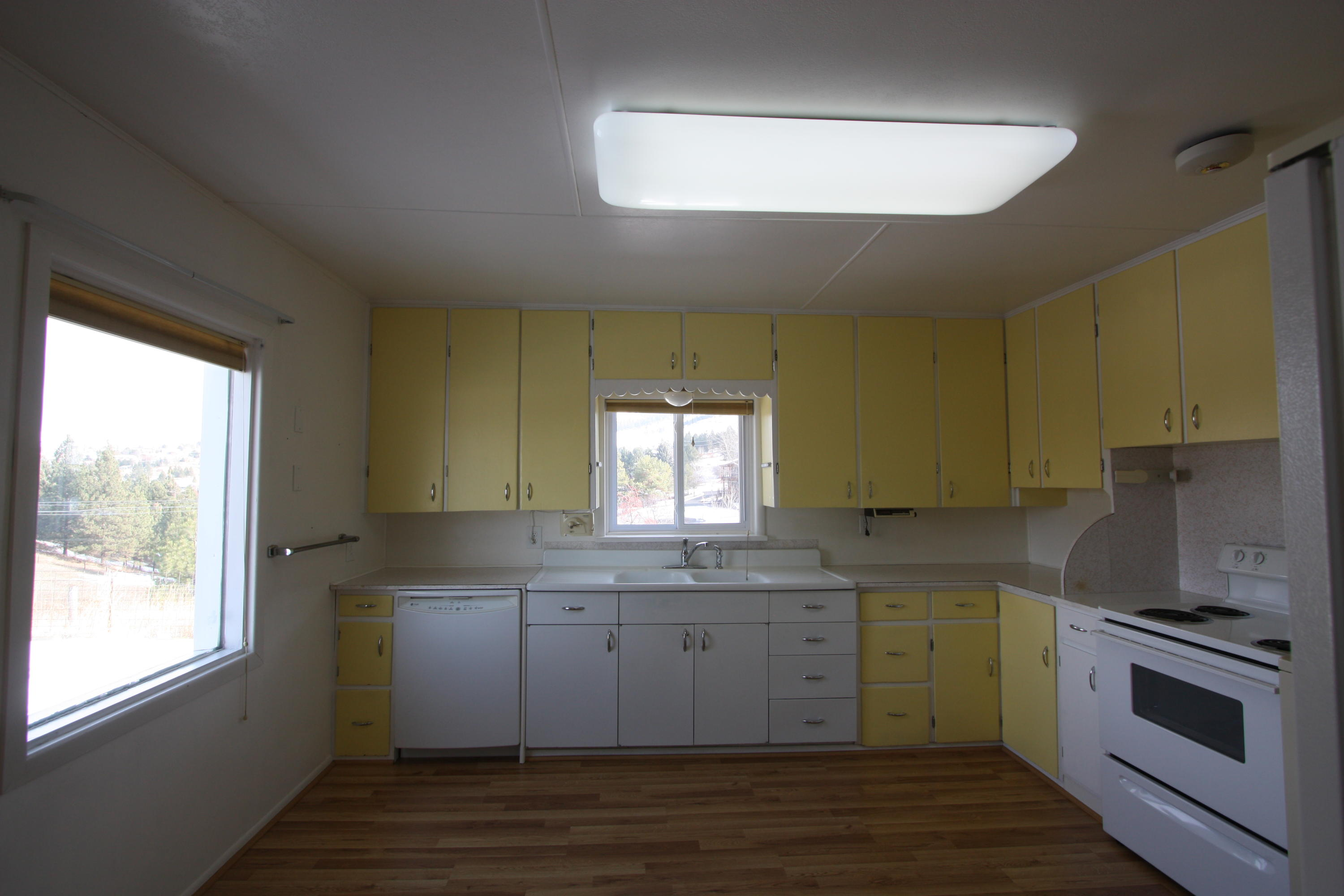 Property Image #2 for MLS #21813917