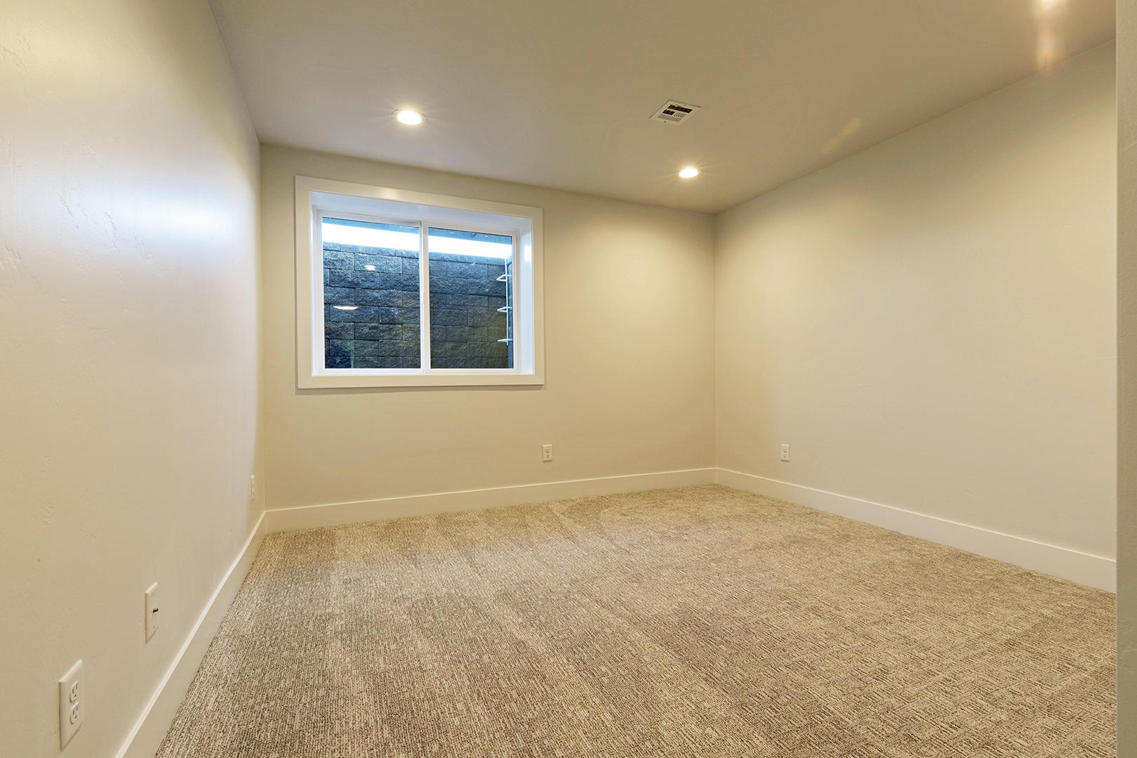 Property Image #24 for MLS #21900304
