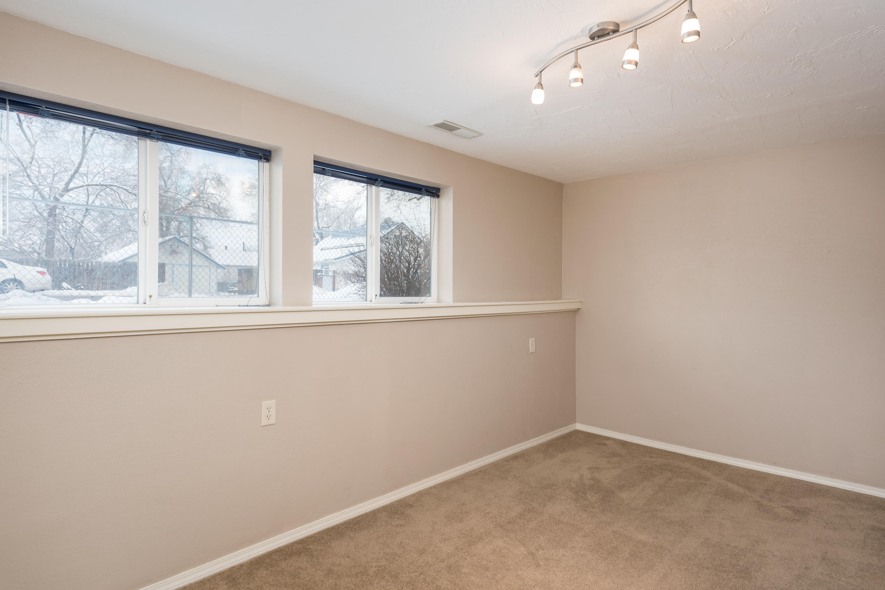 Property Image #3 for MLS #21900676