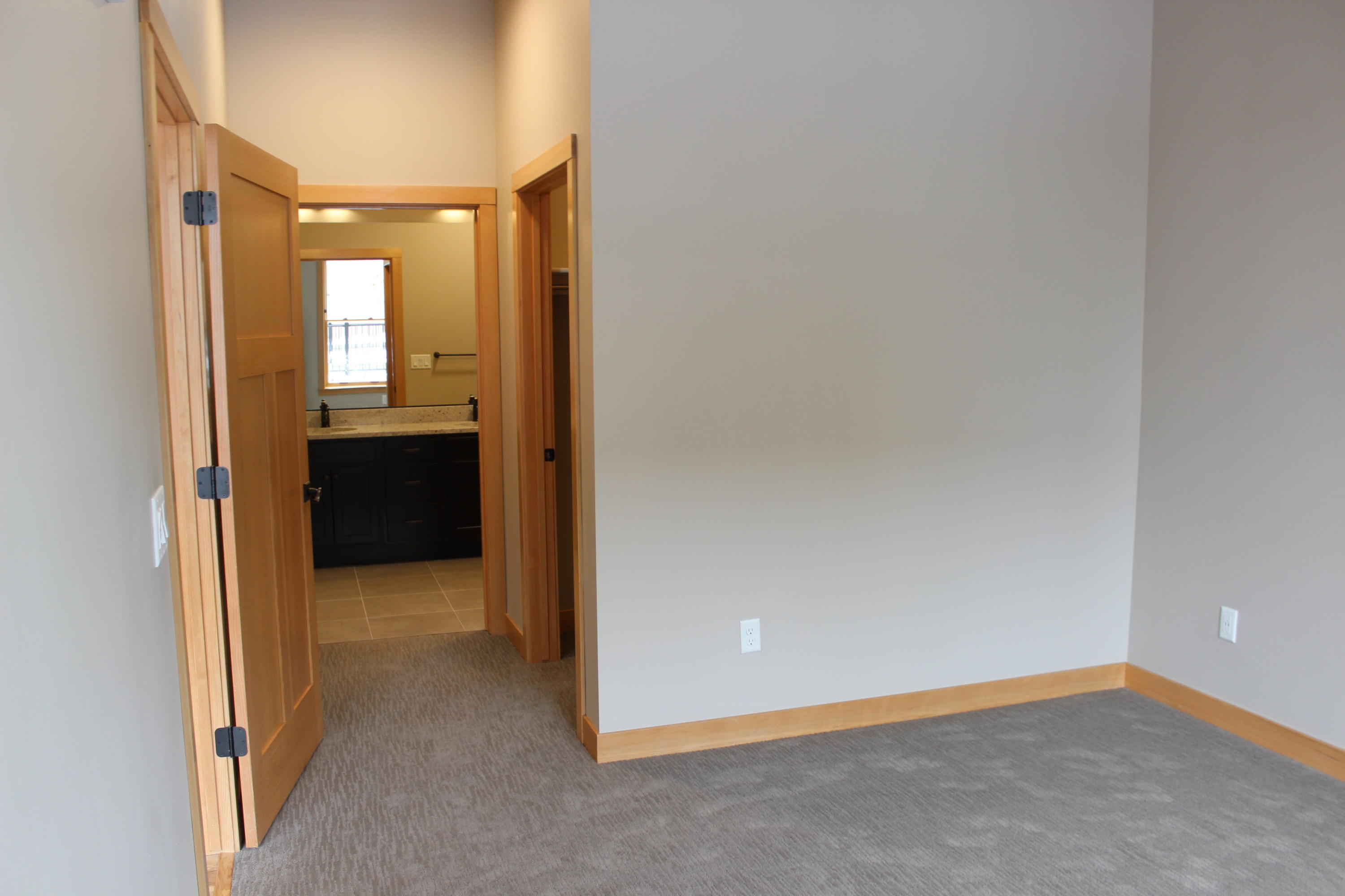 Property Image #6 for MLS #21900043