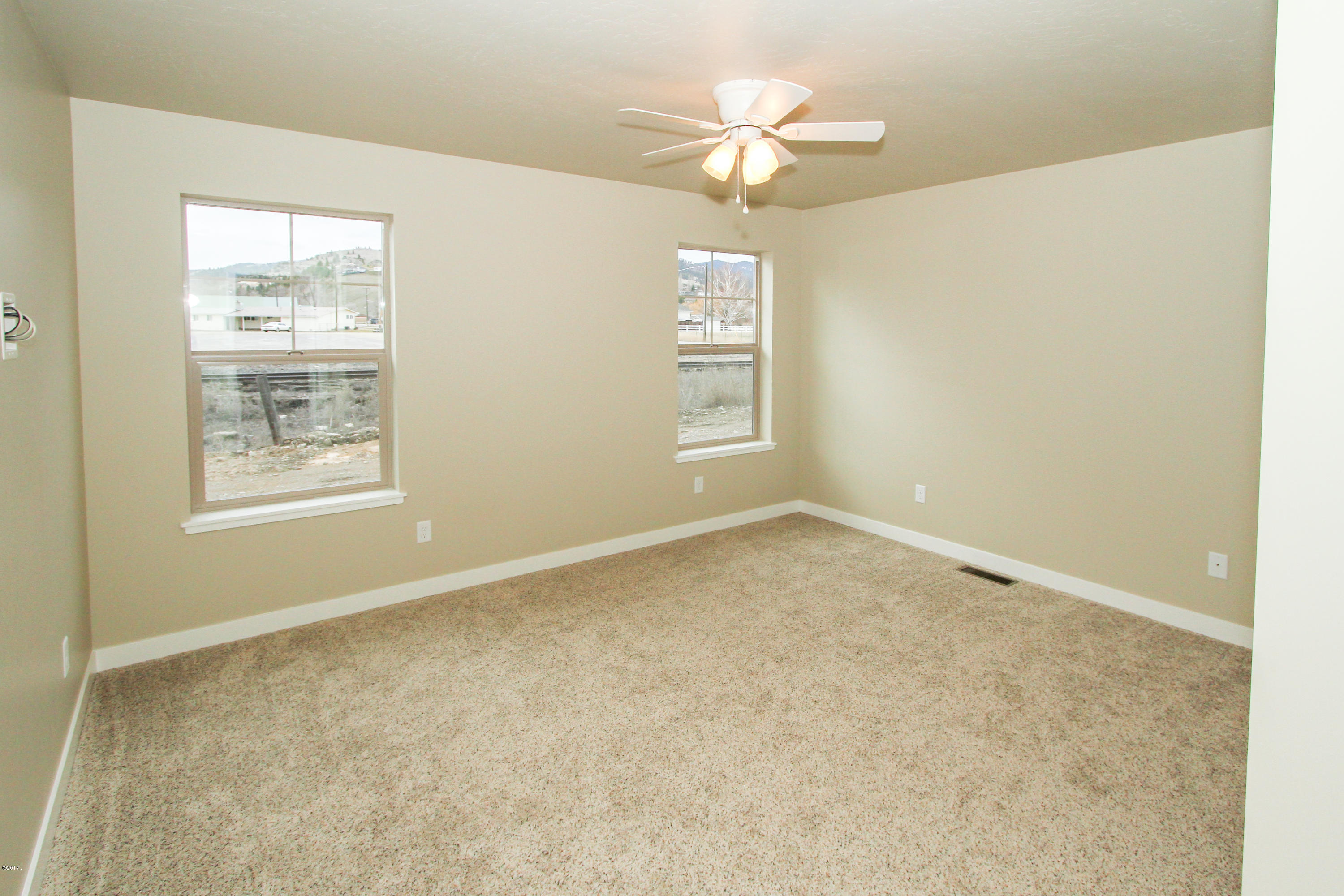 Property Image #5 for MLS #21900938
