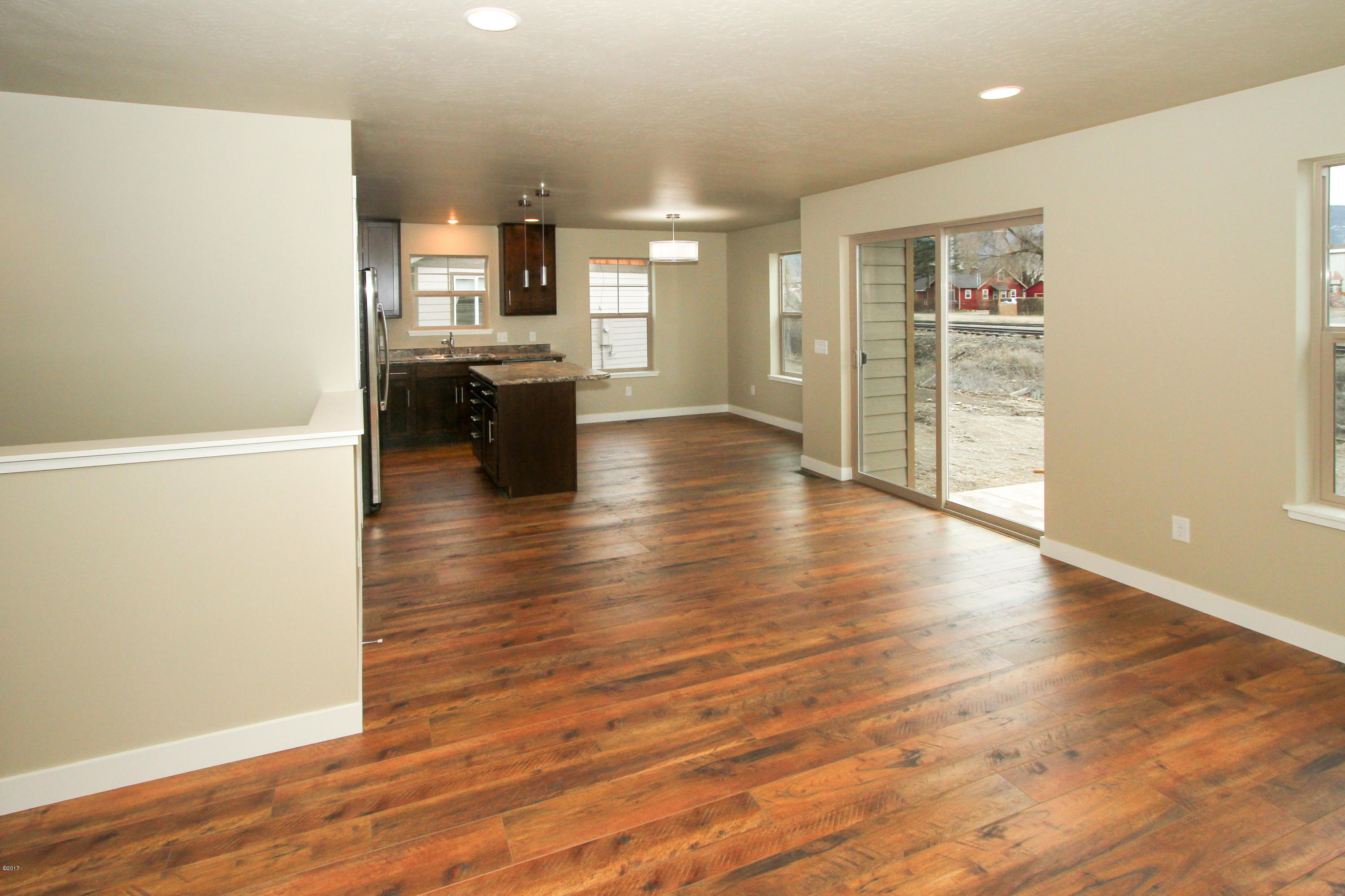 Property Image #2 for MLS #21900938
