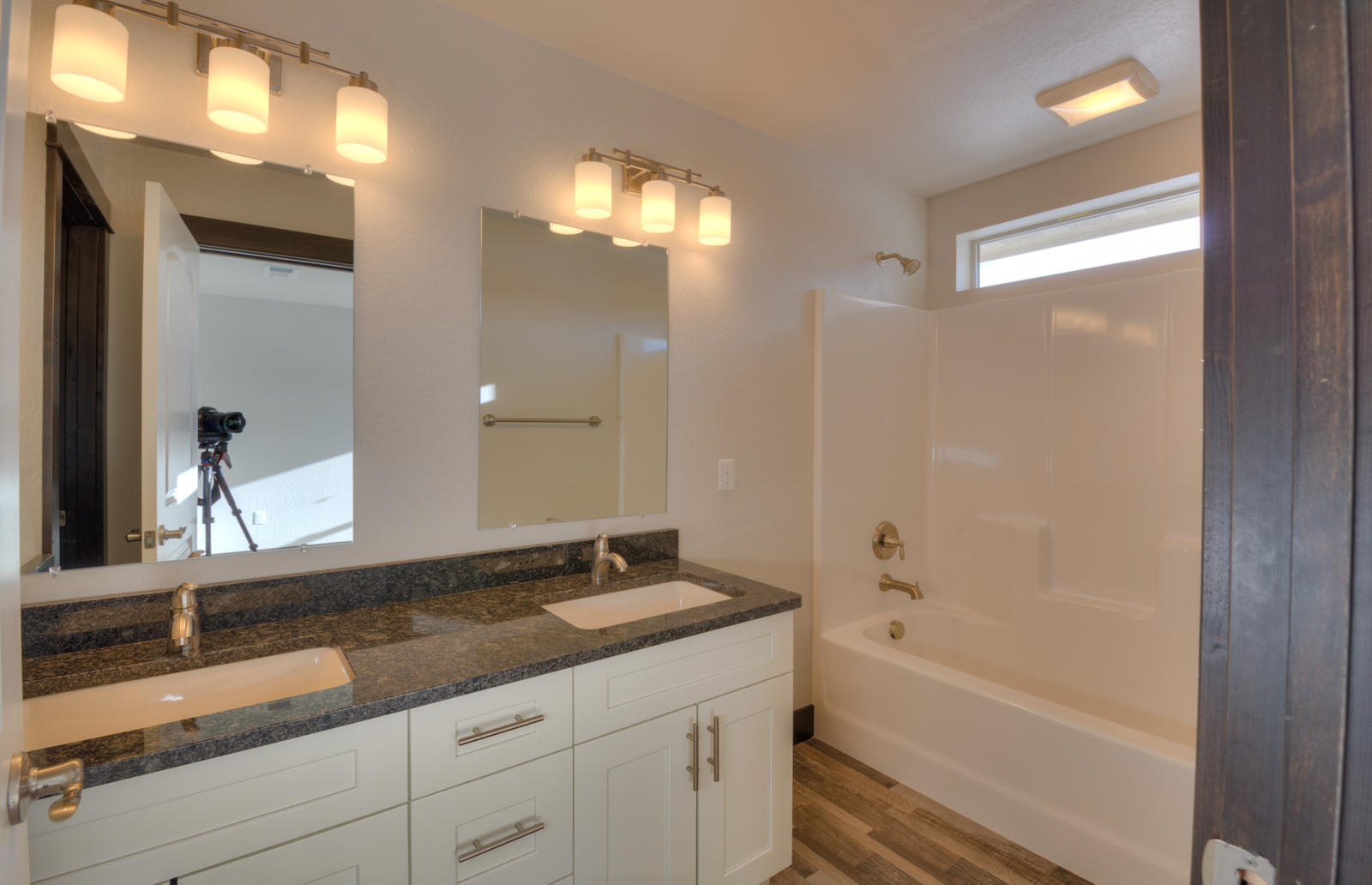 Property Image #3 for MLS #21901742