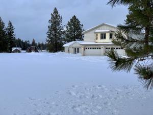 469 Lore Lake Road, Kalispell, MT 59901