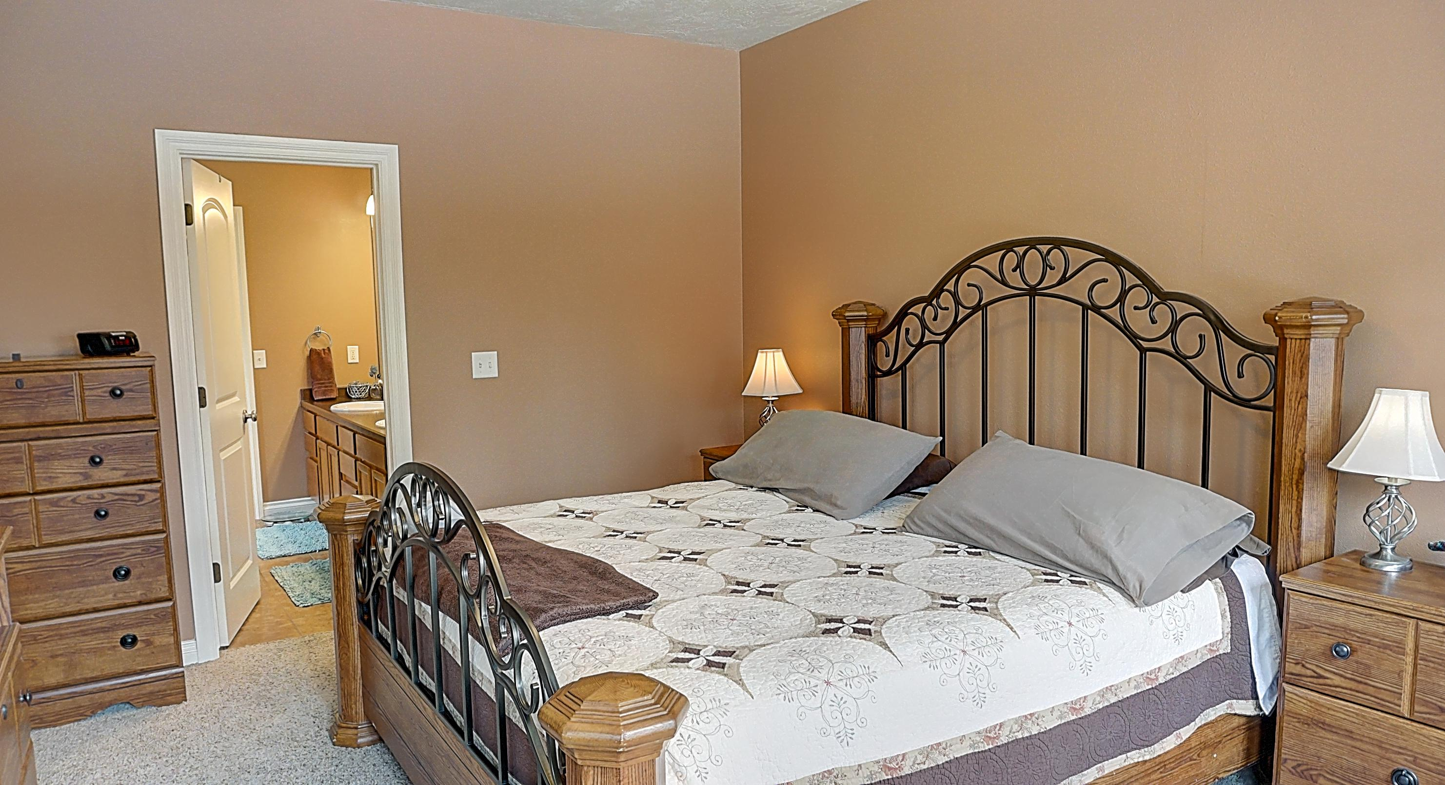 Property Image #2 for MLS #21902112