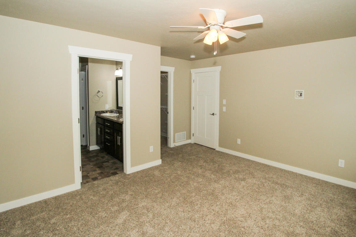 Property Image #5 for MLS #21902400