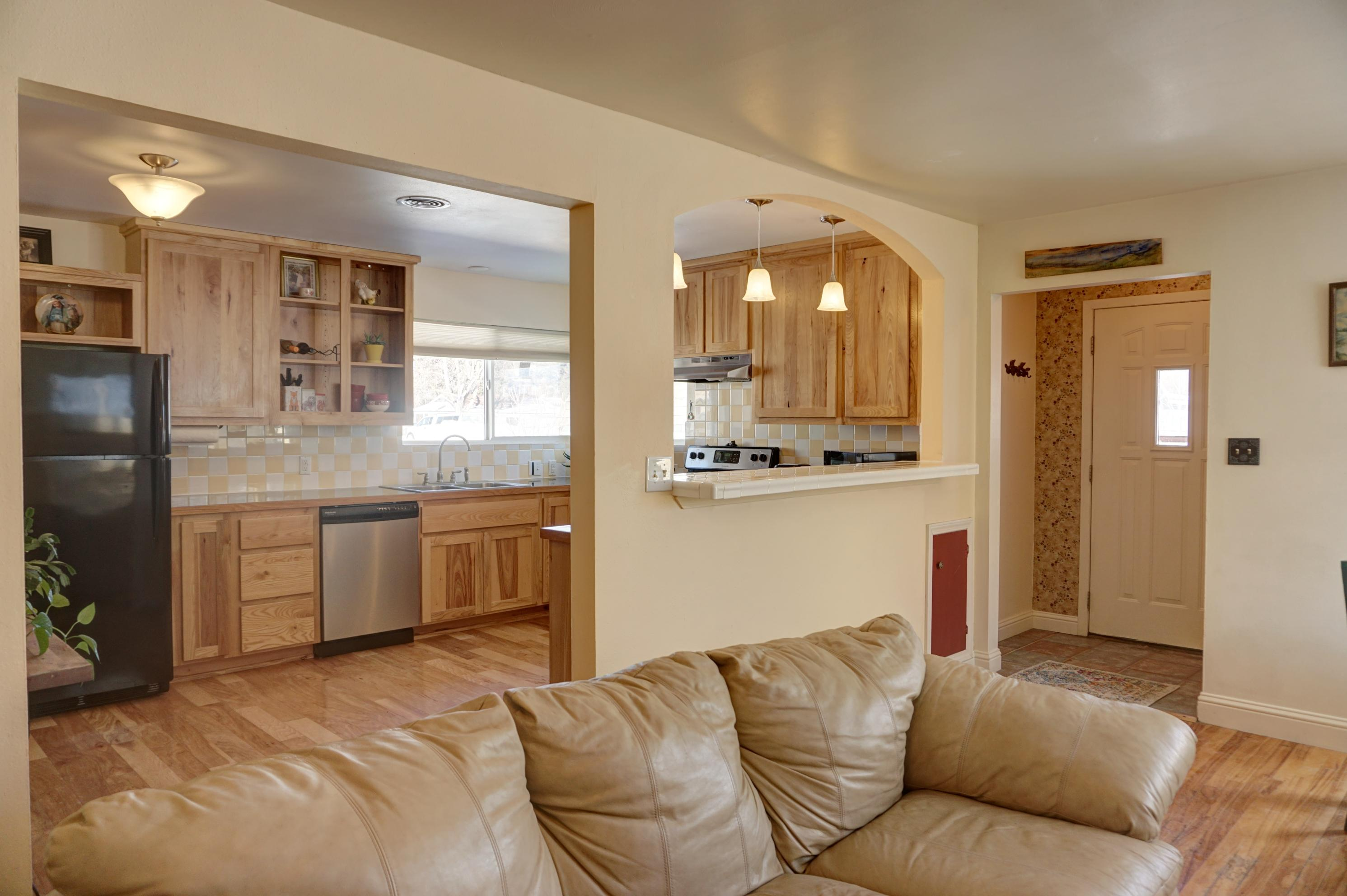 Property Image #2 for MLS #21902873