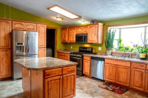 23690 Mullan Road, Huson, MT 59846