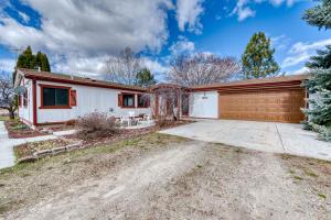 1252 Willow Creek Road, Corvallis, MT 59828