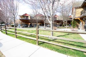 3010 Tina, Missoula, Montana
