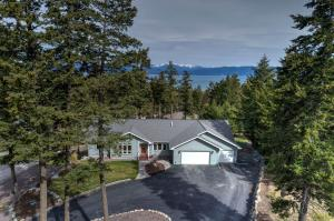 37 Shelter Cove, Lakeside, MT 59922
