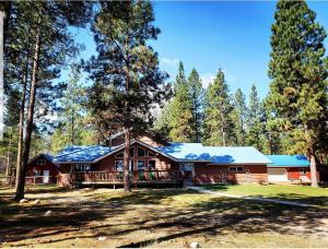 1710 Nighthawk Trail, Victor, MT 59875