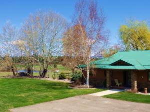 218 South Kootenai Creek Road, Stevensville, MT 59870