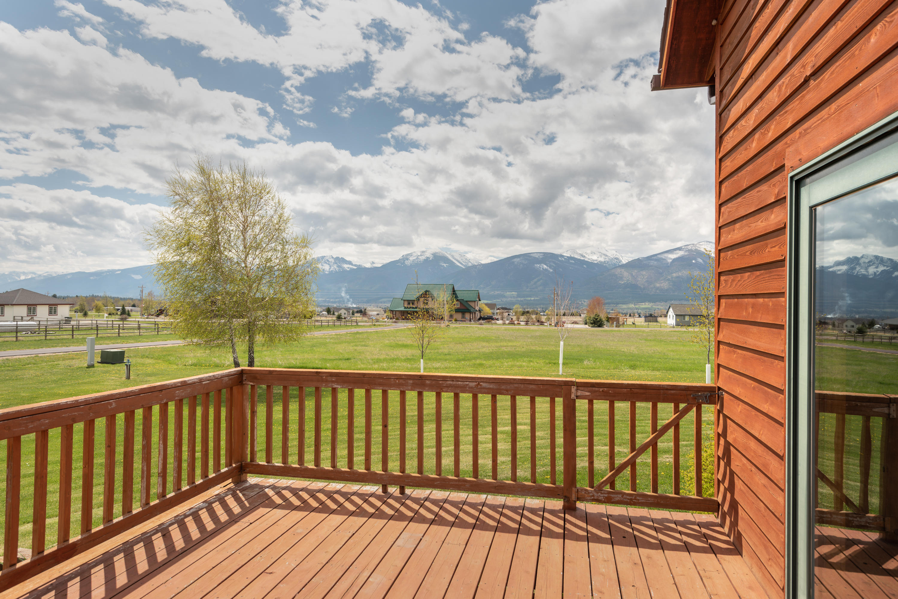 Property Image #2 for MLS #21903237