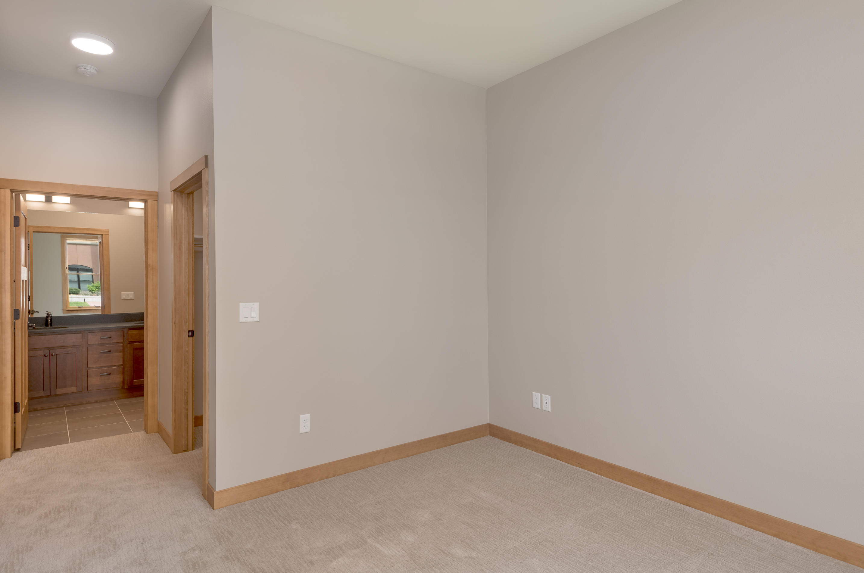 Property Image #4 for MLS #21812419