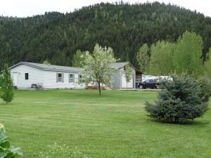 9732 Common Drive, Clinton, MT 59825
