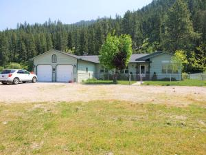 20788 Us Highway 10 East, Clinton, MT 59825