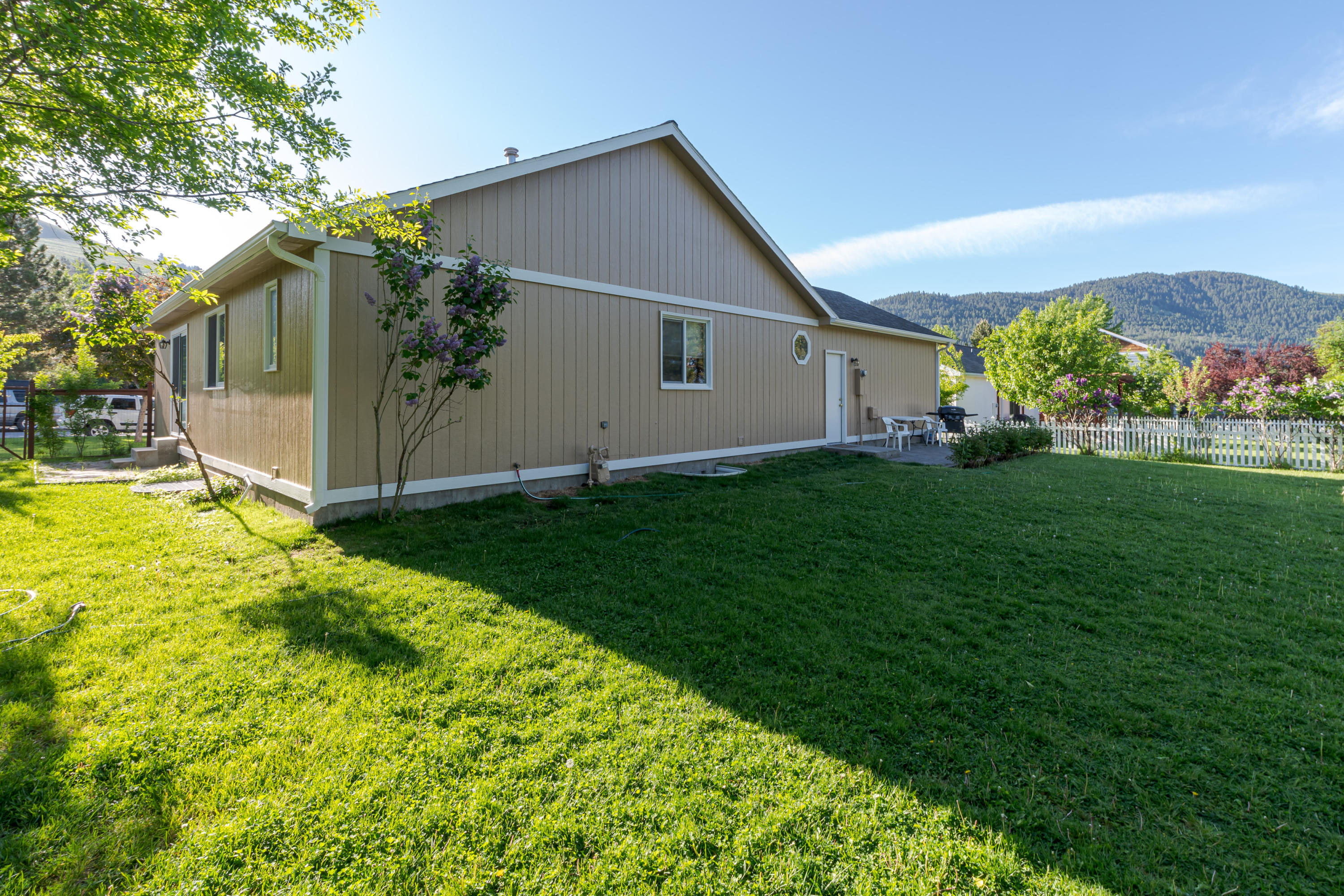 Property Image #3 for MLS #21904476