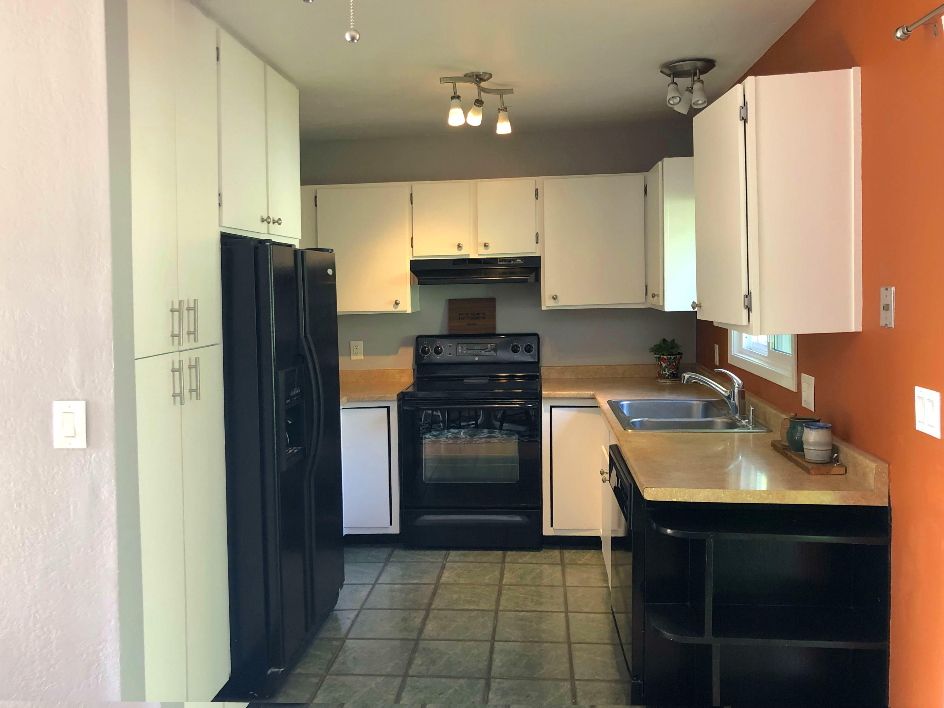 Property Image #2 for MLS #21908799