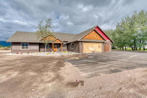 681 Old Corvallis Road, Corvallis, MT 59828