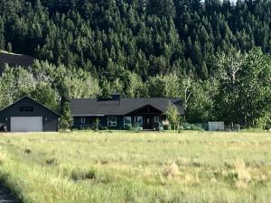 640 Deer Haven Drive, Deer Lodge, MT 59722