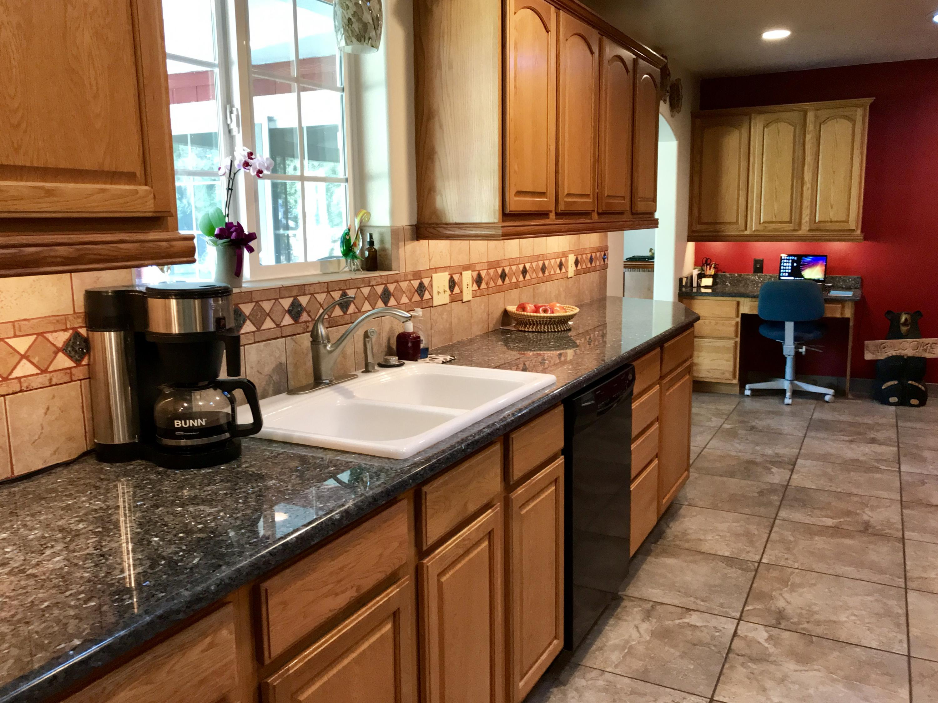 Property Image #2 for MLS #21906020