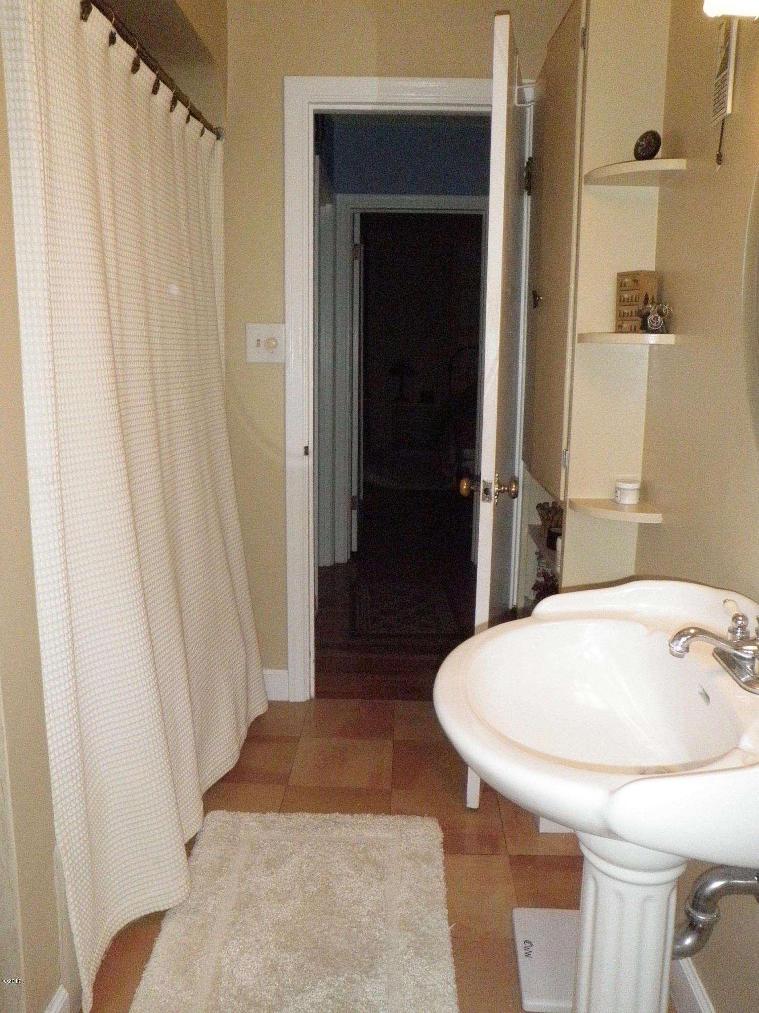 Property Image #2 for MLS #21910184