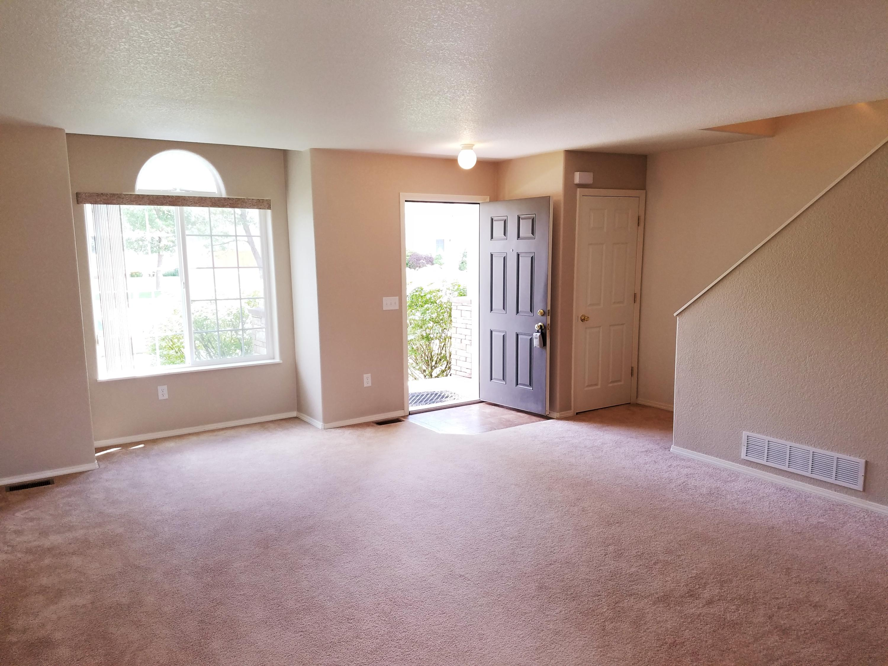 Property Image #2 for MLS #21910252