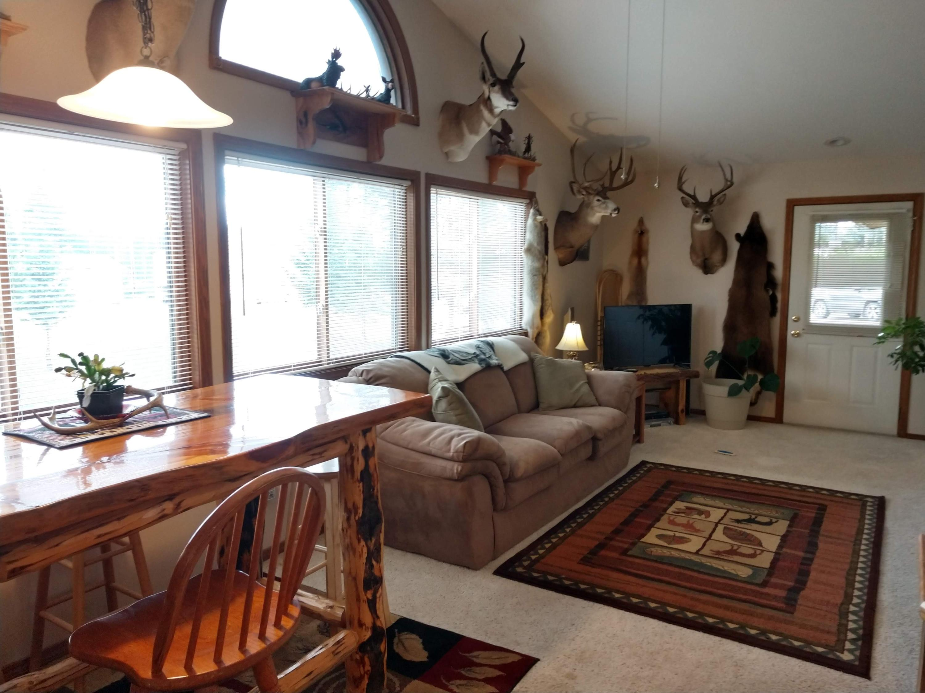 Property Image #2 for MLS #21910430