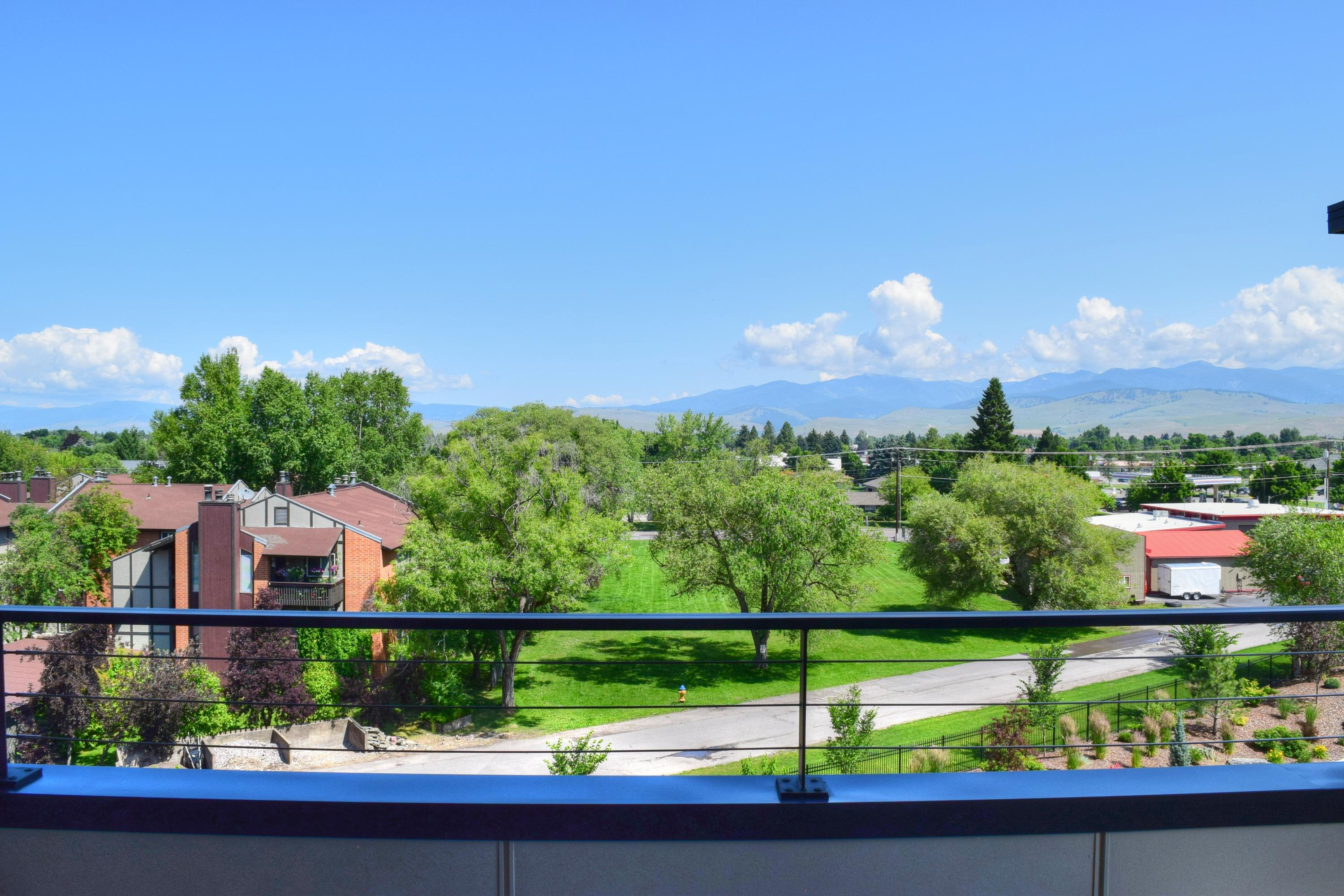Property Image #6 for MLS #21911348