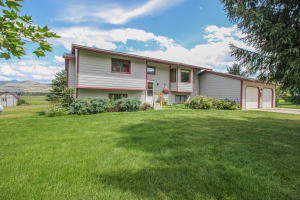 16240 Falcon Lane, Florence, MT 59833