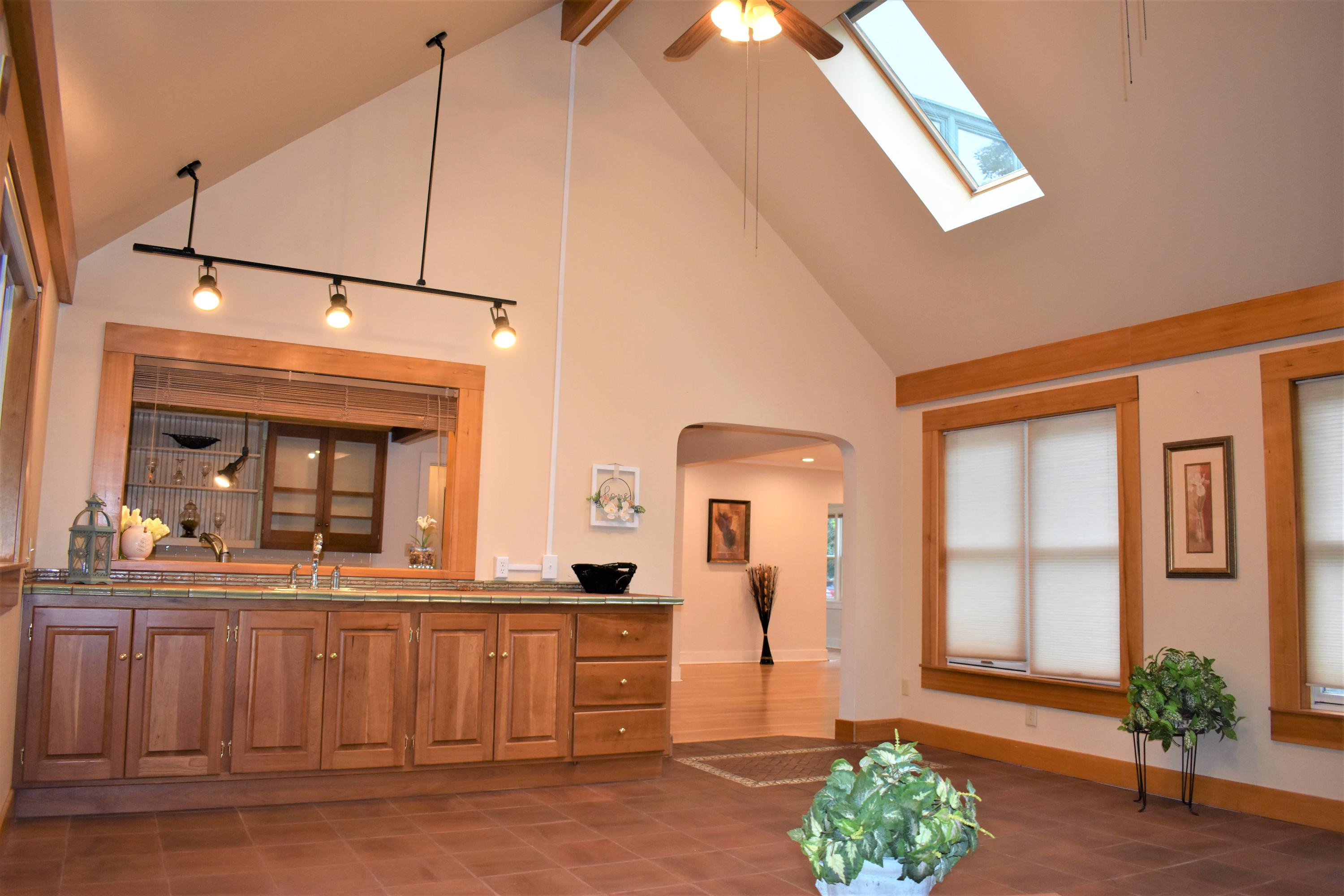 Property Image #3 for MLS #21912076