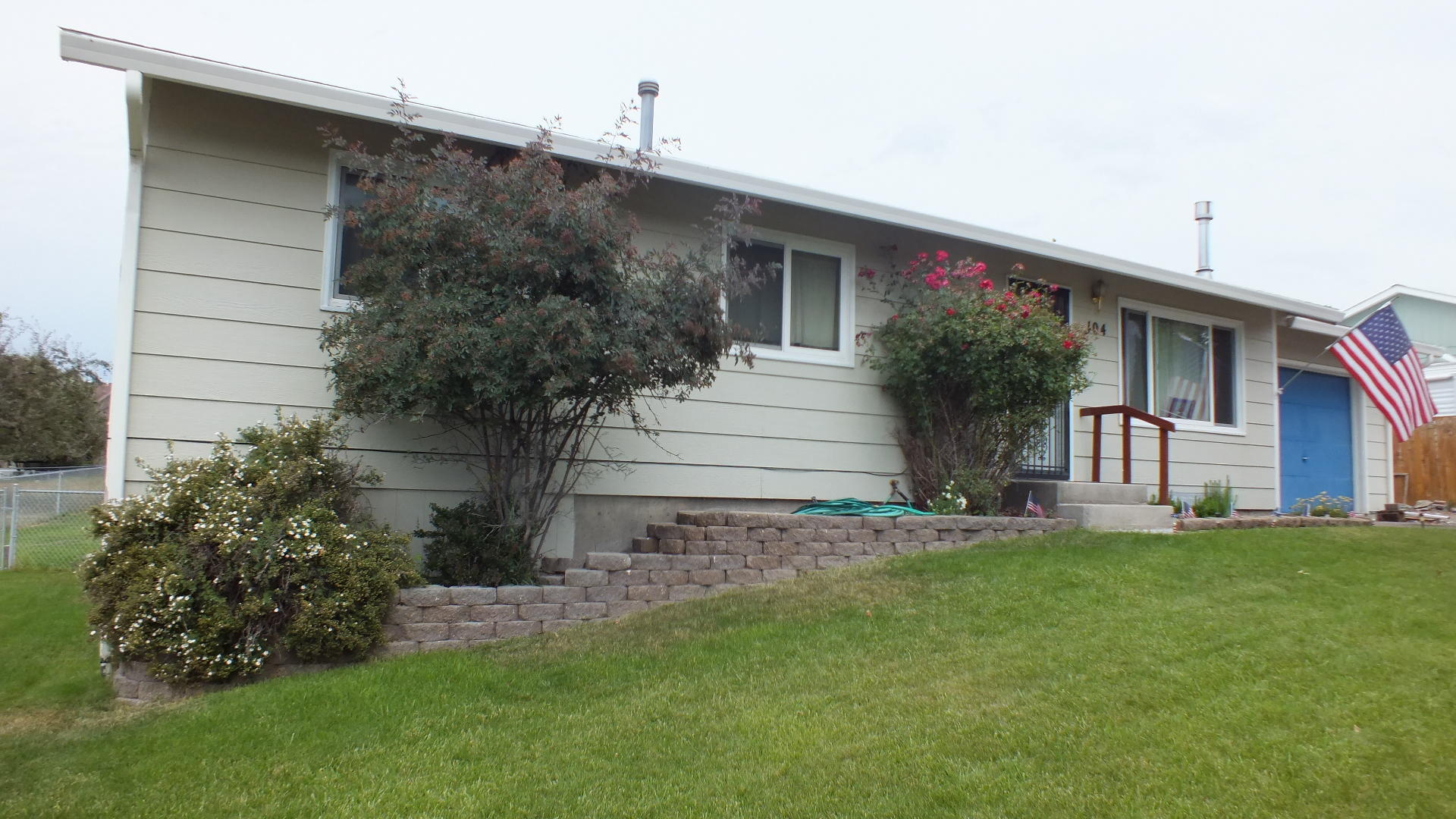 Property Image #1 for MLS #21912005