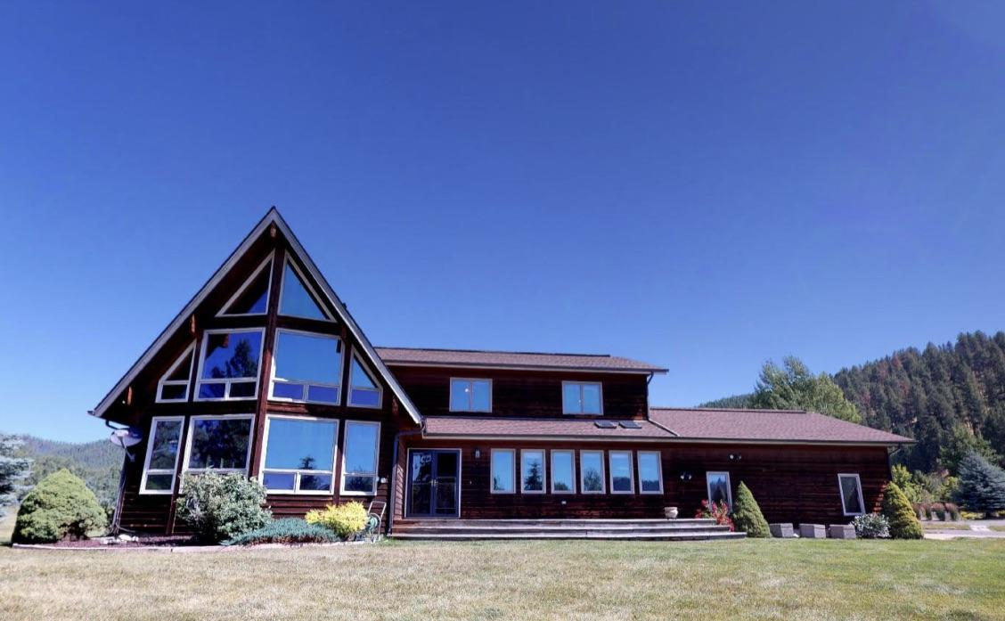 Property Image #1 for MLS #21912881