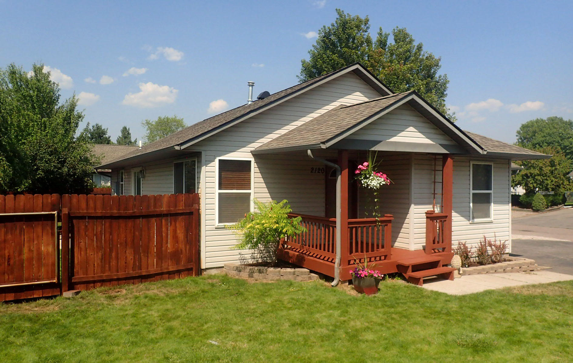 Property Image #2 for MLS #21913395