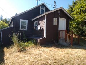 104 Apple Lane, Alberton, MT 59820