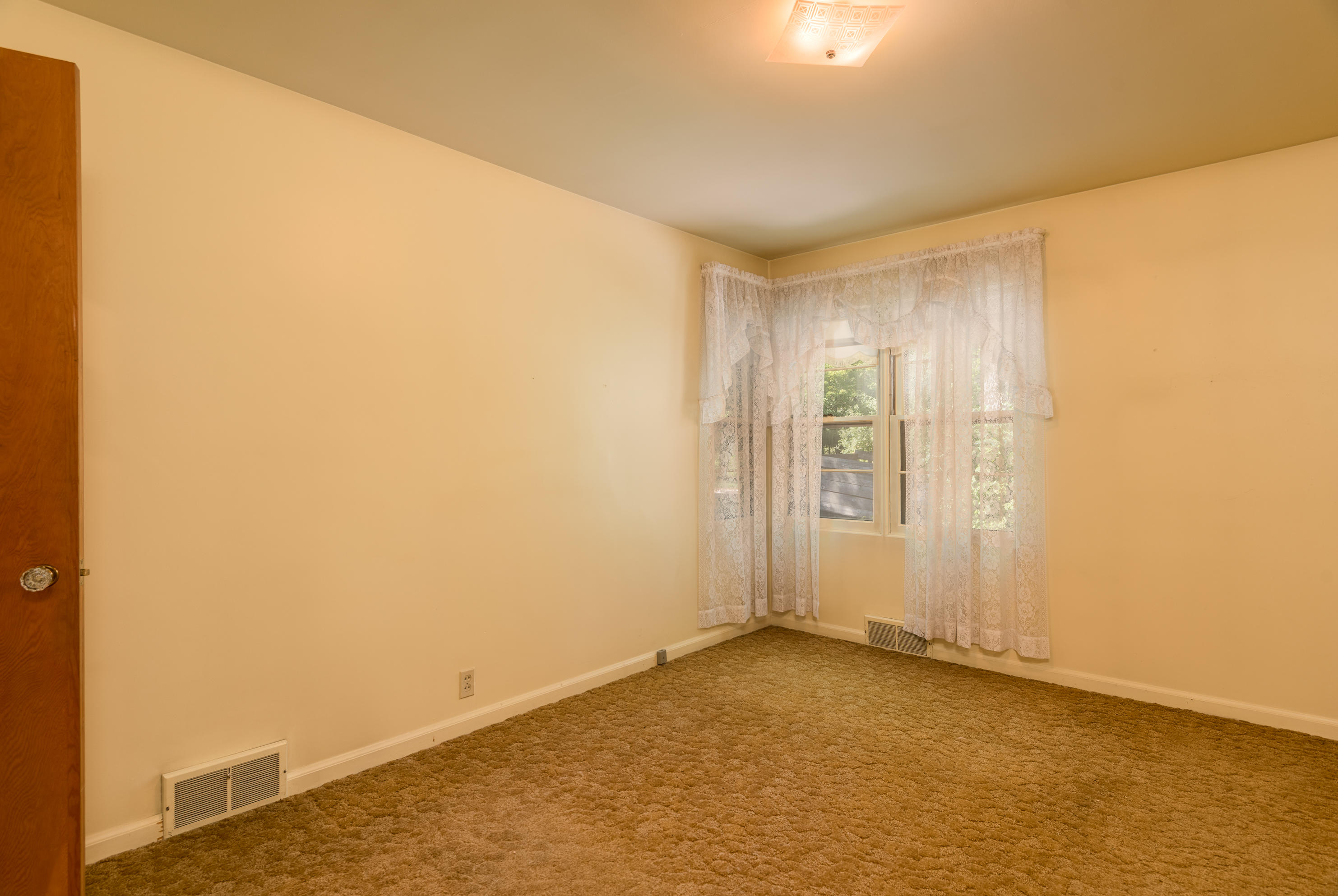 Property Image #2 for MLS #21915126