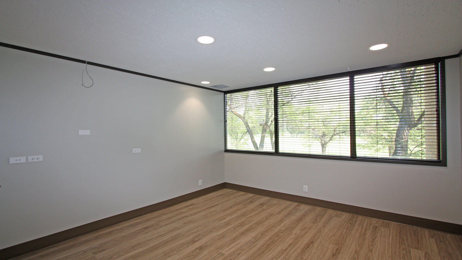 Property Image #4 for MLS #21915432