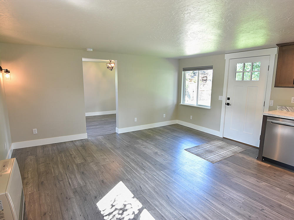Property Image #5 for MLS #21915584